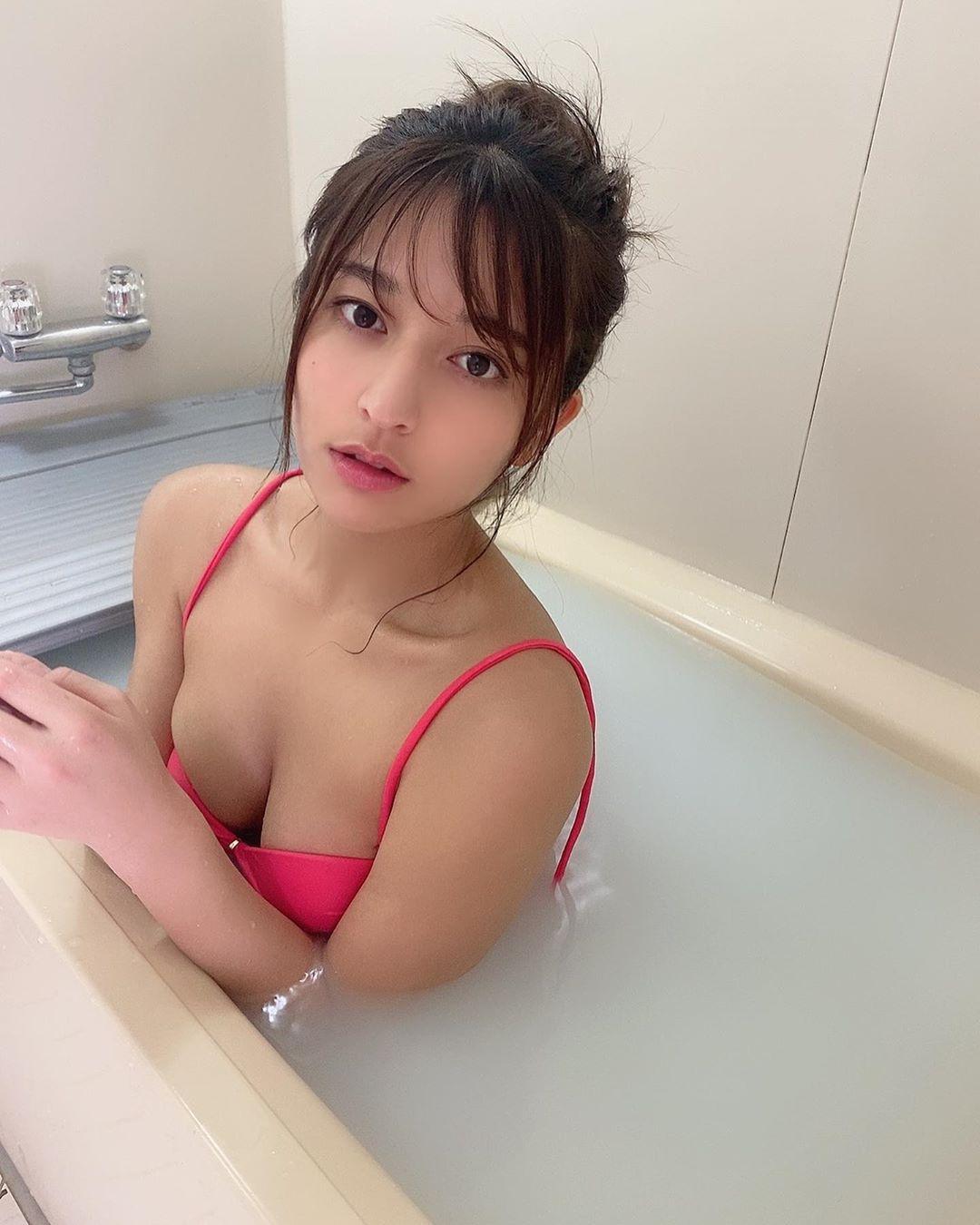 Kana Tokue 徳江かな— [網紅]