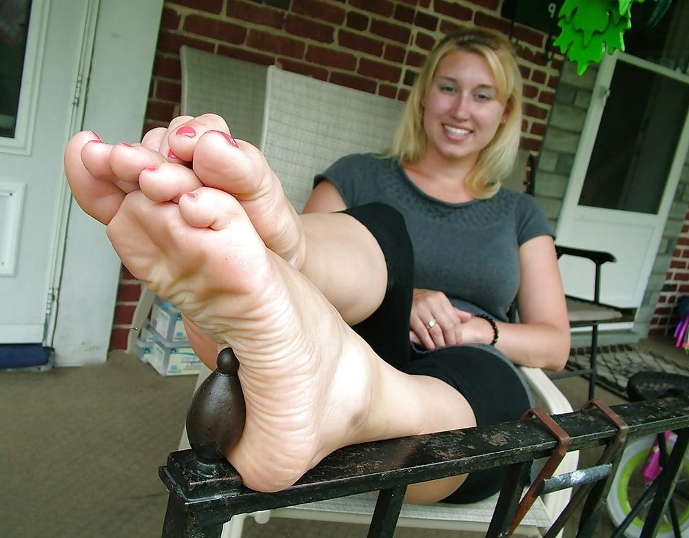 Young foot porn-8004