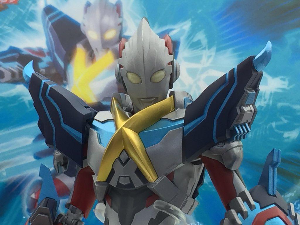 Ultraman (S.H. Figuarts / Bandai) - Page 6 69Ur63JE_o