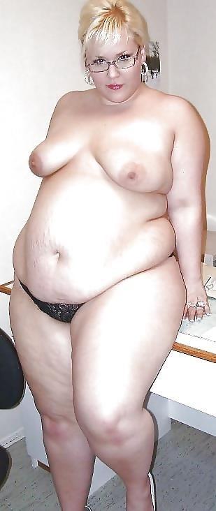 Short hair mature nude-4057