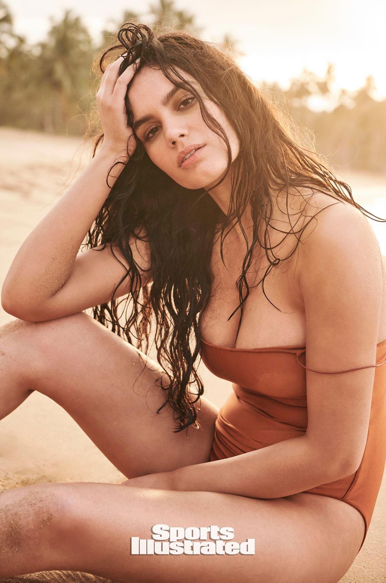 Энн де Паула в каталоге купальников Sports Illustrated Swimsuit 2020 / фото 15