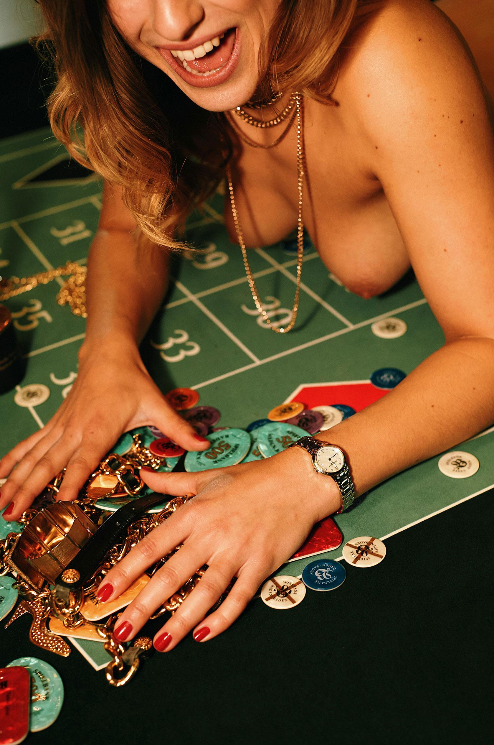 Девушка 2020-го года в Playboy Германия - Стелла Тиана Стегманн / фото 05