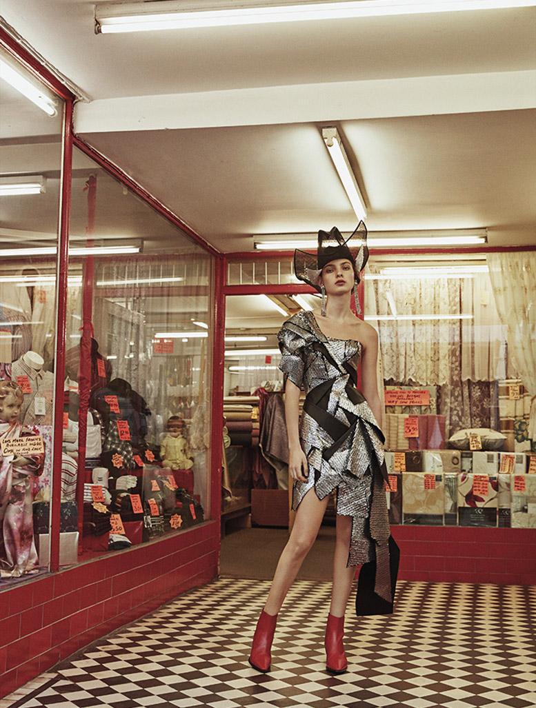 Прогулка по нетуристическому Лондону с Женей Мигович / Lets Shopping / Zhenya Migovych by Alex Bramall / LOfficiel Switzerland july 2018