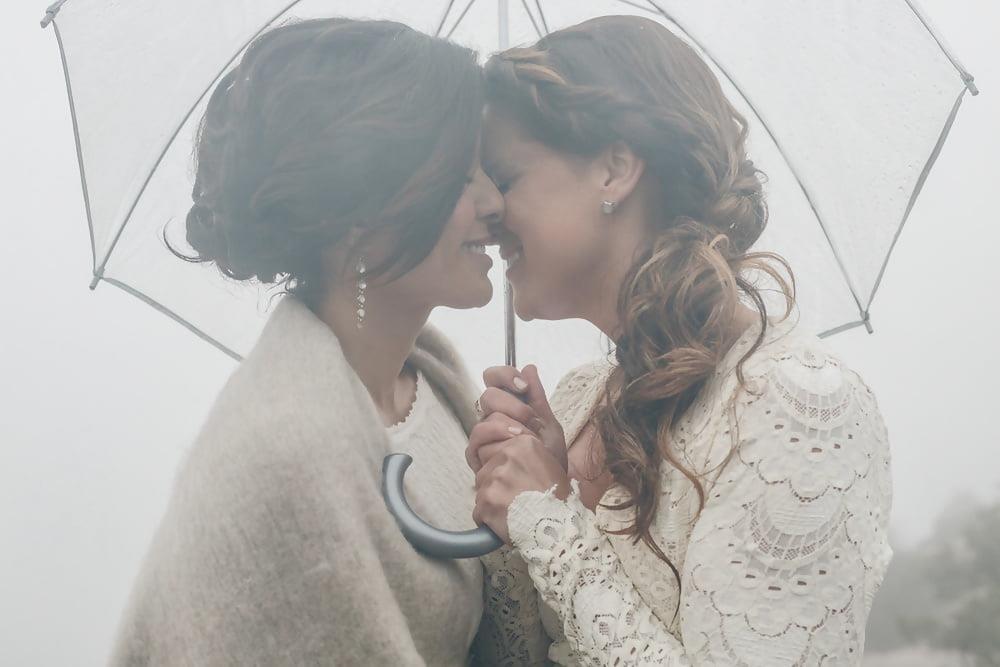 Sexy lesbian french kiss-7589