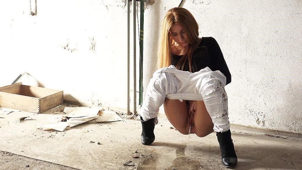 Teen girl peeing in public-9836
