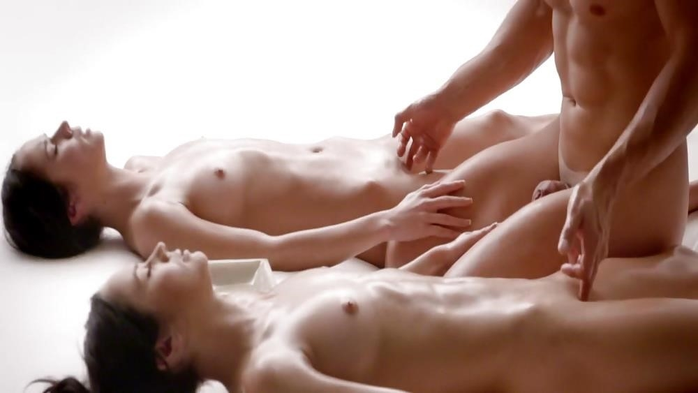 Threesome massage hd-7743