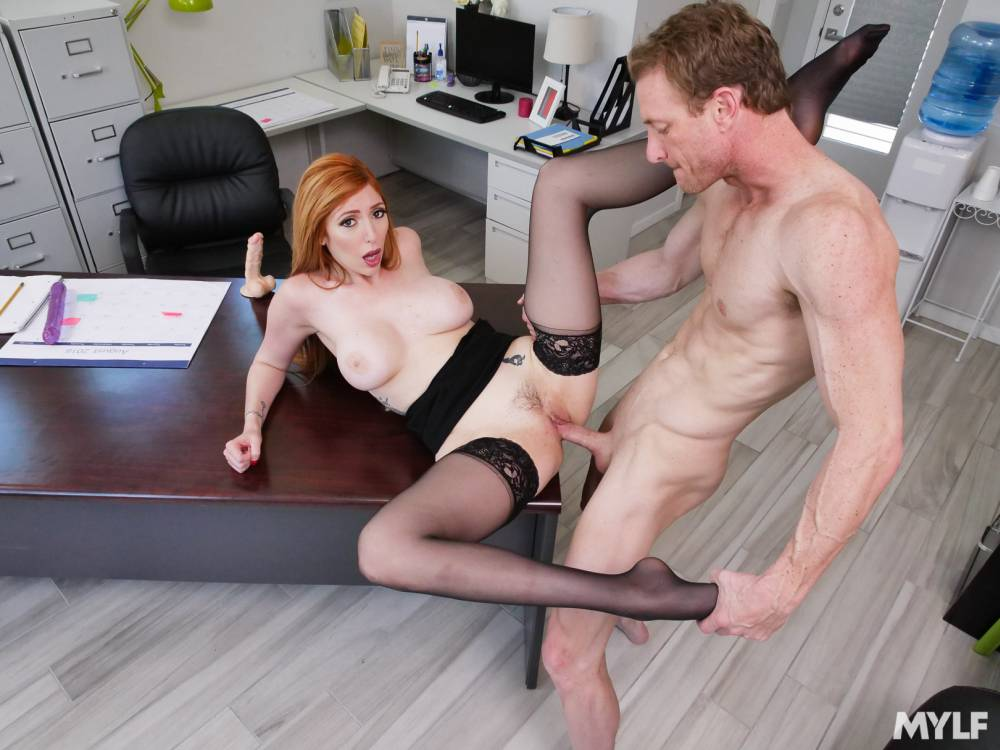 Lauren Phillips, Ryan Mclane – Selling Sex 101 – Mylf Boss – MYLF