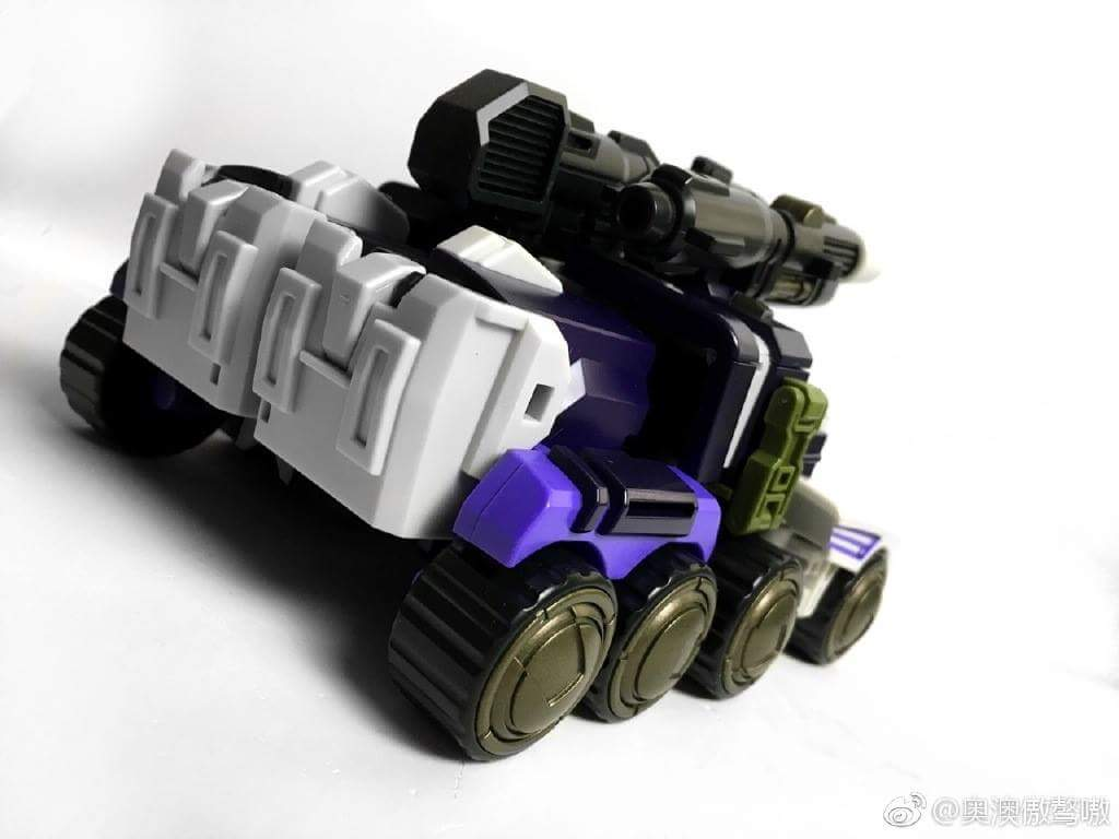 [Mastermind Creations] Produit Tiers - Reformatted  R-33 Collisus - aka Thunder Clash des BD IDW et R-33T Thunder Dominion - aka Machine Wars Optimus Prime - Page 2 VAKbvNbj_o