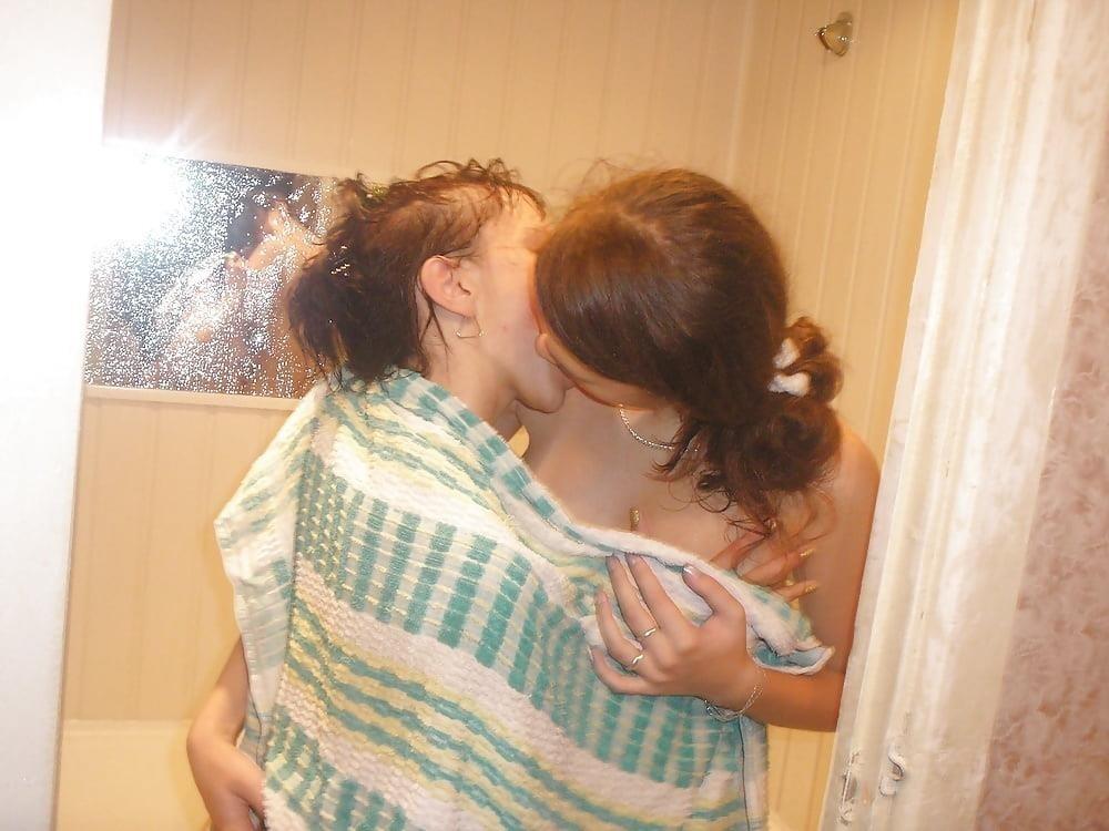 Hot lesbians make out naked-9068