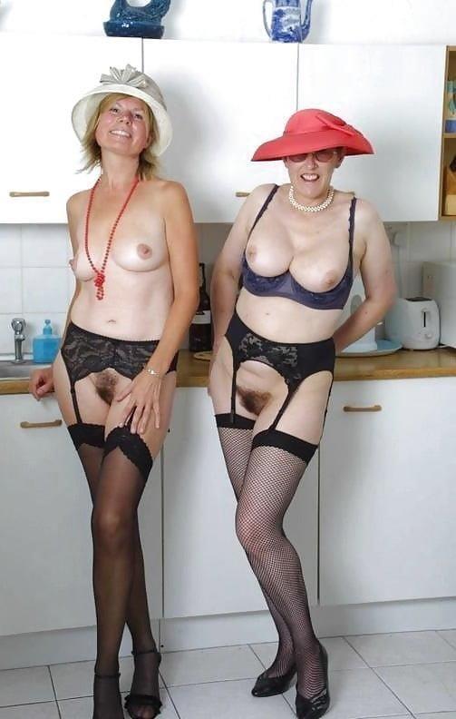 Nude mature lesbians-7958