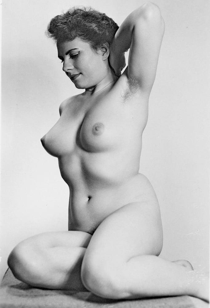 Older nude hairy women-9006