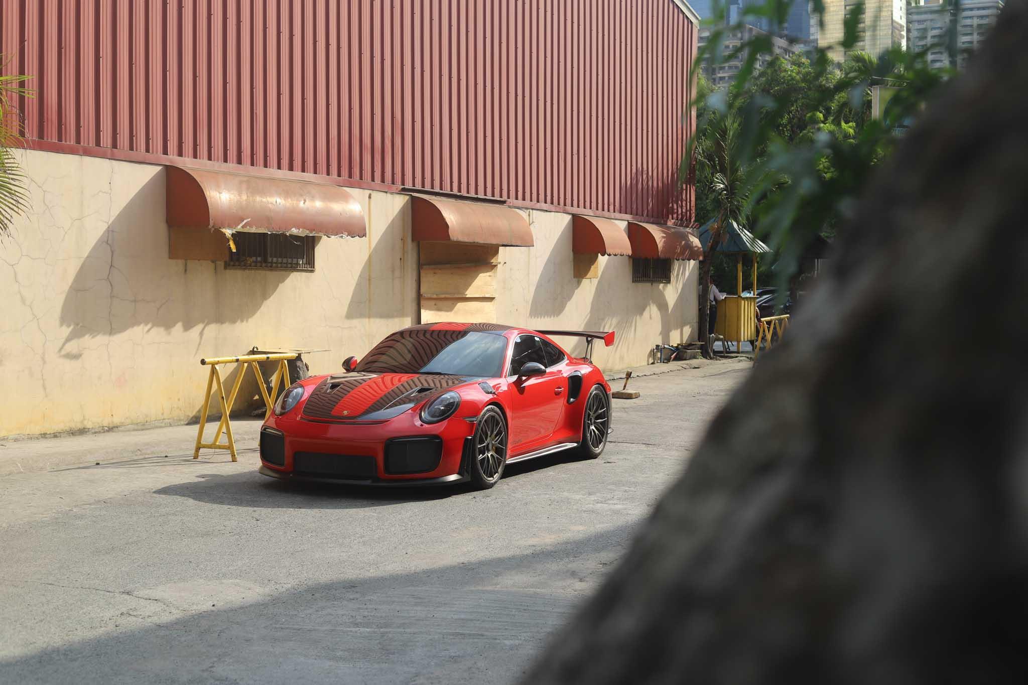 Porsche - 1