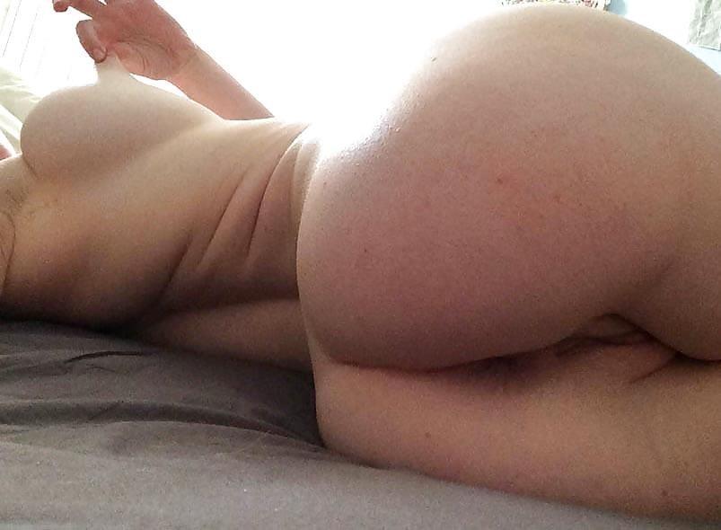 Naked blonde selfie-5571