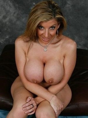 Big milf tits pic-1410