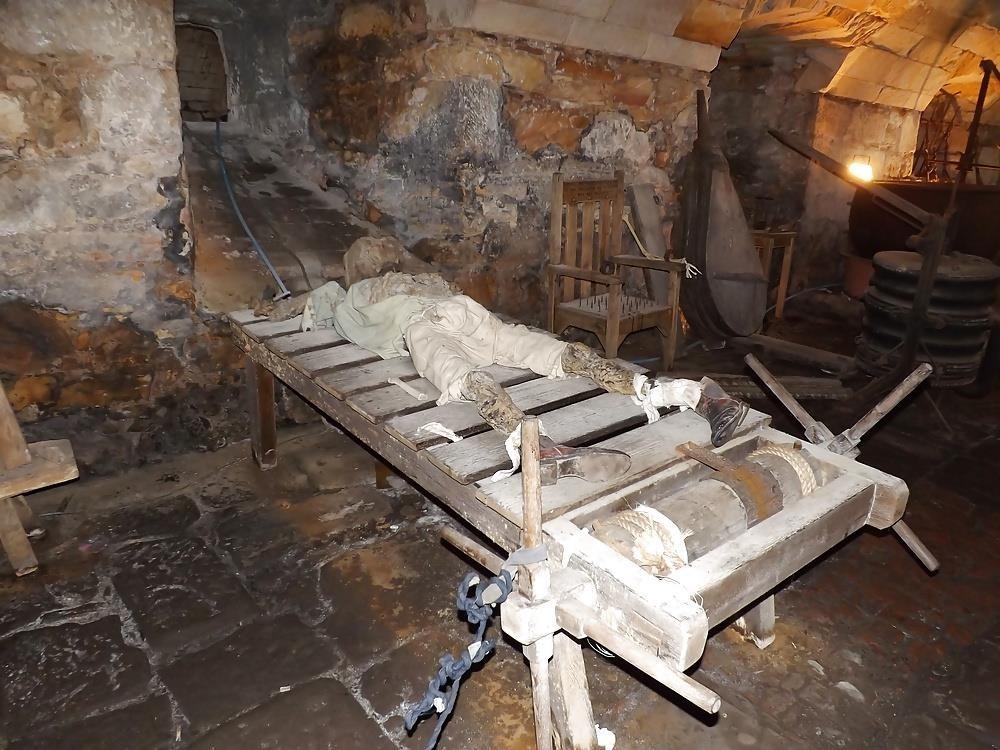 Medieval torture bondage-8418