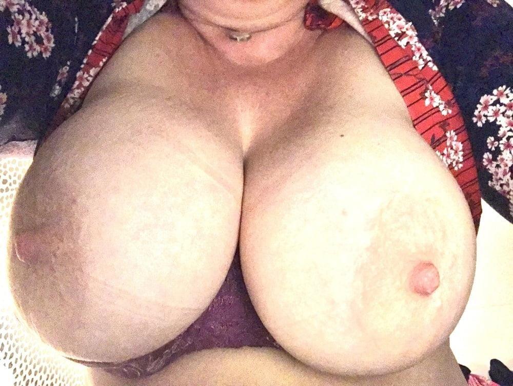 Lesbian big tit pic-8486
