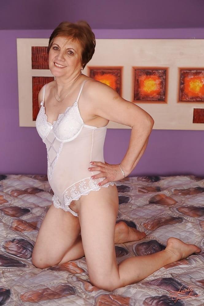Lady granny free porn-4883