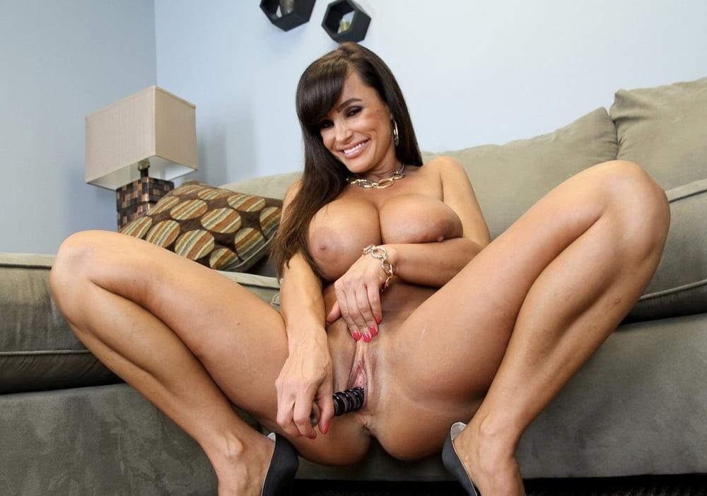 Lisa ann in naughty america-6899