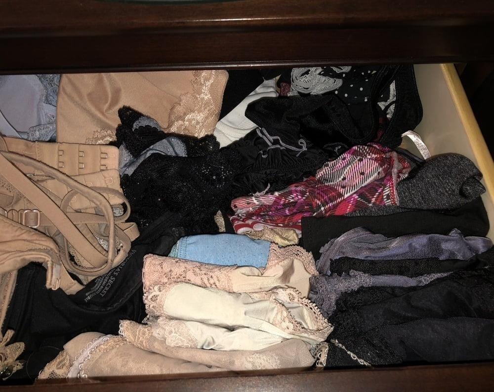 Dirty girls bukkake panty raid 8-5838