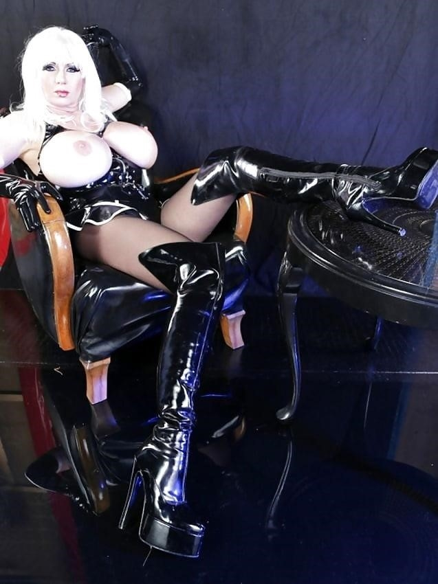 Latex big tits pics-9041