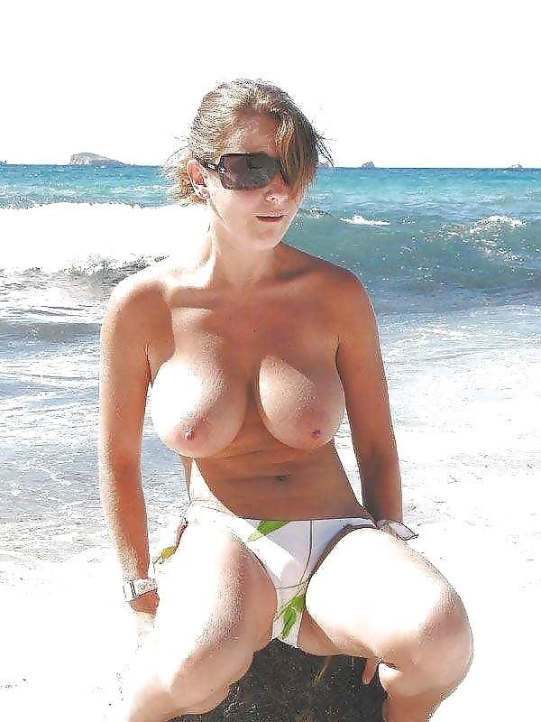 Big boobs nude on beach-4061