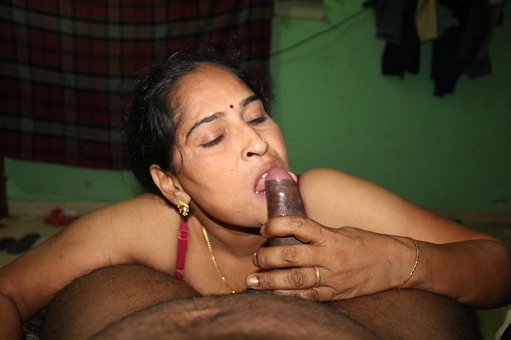Reshma aunty nude-5522