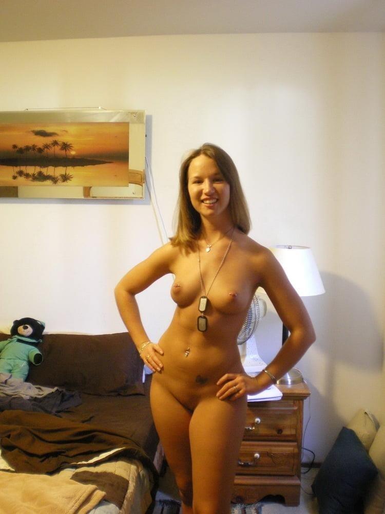 Hot girl masturbating solo-1005