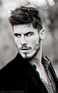Lucas Bernardini E50EUBXR_o