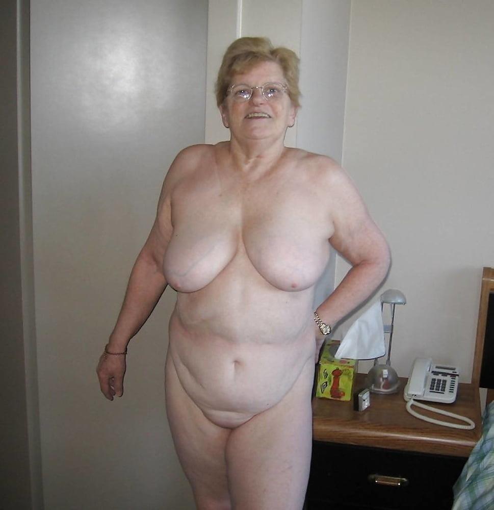 Naked granny porn-5152