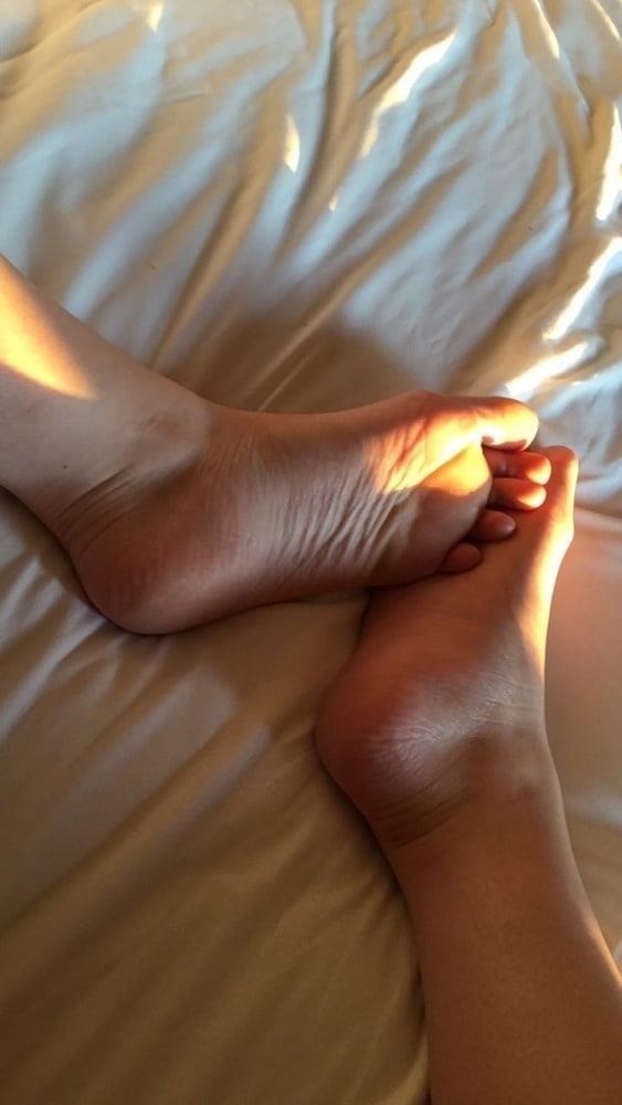 Lesbian long toes-6112