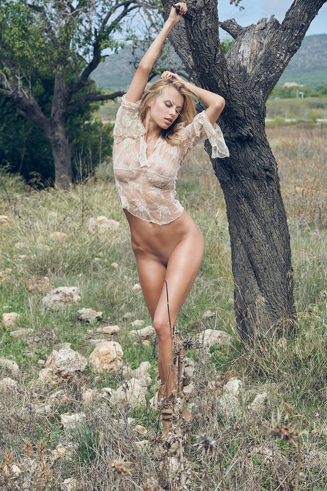 обнаженная Ольга де Мар на природе / Olga De Mar by Stefan Imielski