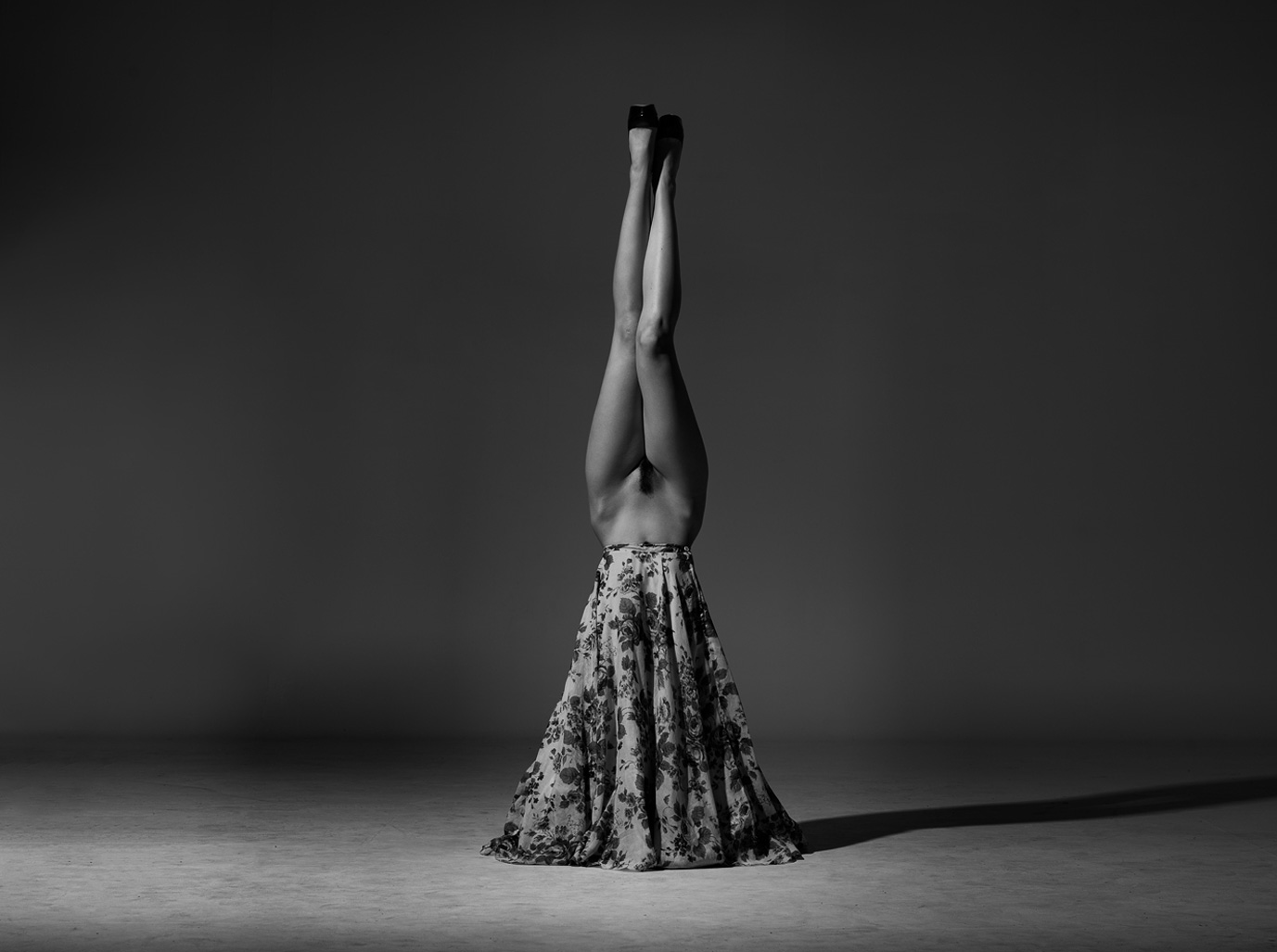 Искусство носить корону / Nicole Melrose by Peter Coulson