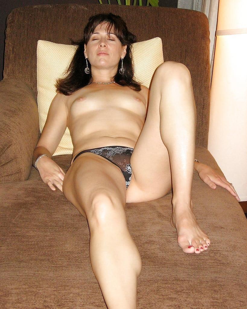 Hairy nude older women-9275