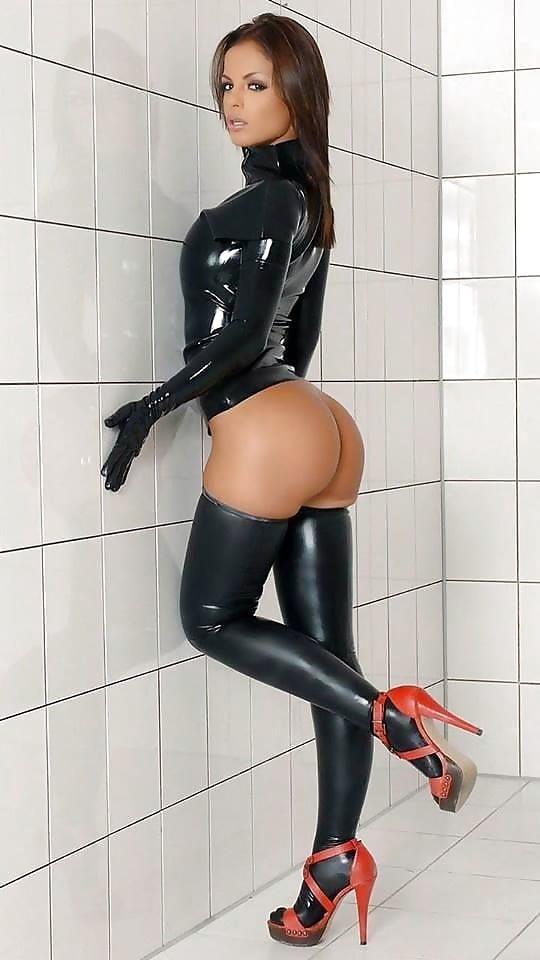 Strapon latex mistress-5016