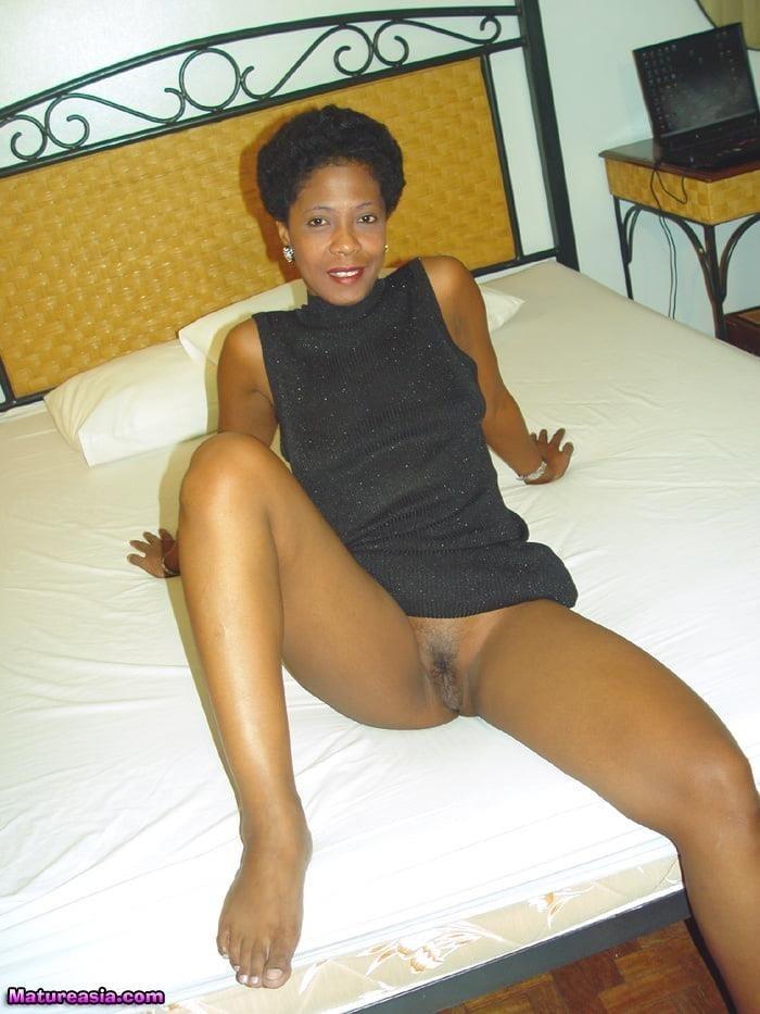 Ebony mature gallery-5066