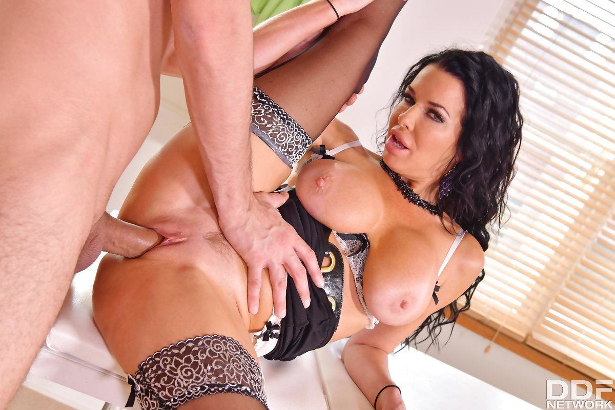 Veronica Avluv, Kai Taylor – Cock Assistance Needed – DDF Busty – DDF Network [HD]