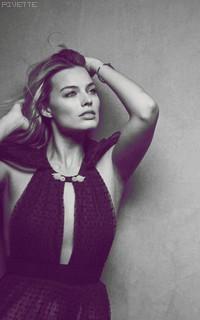 Margot Robbie WCliZj7e_o
