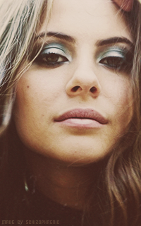 Willa Holland GU6zPOXW_o