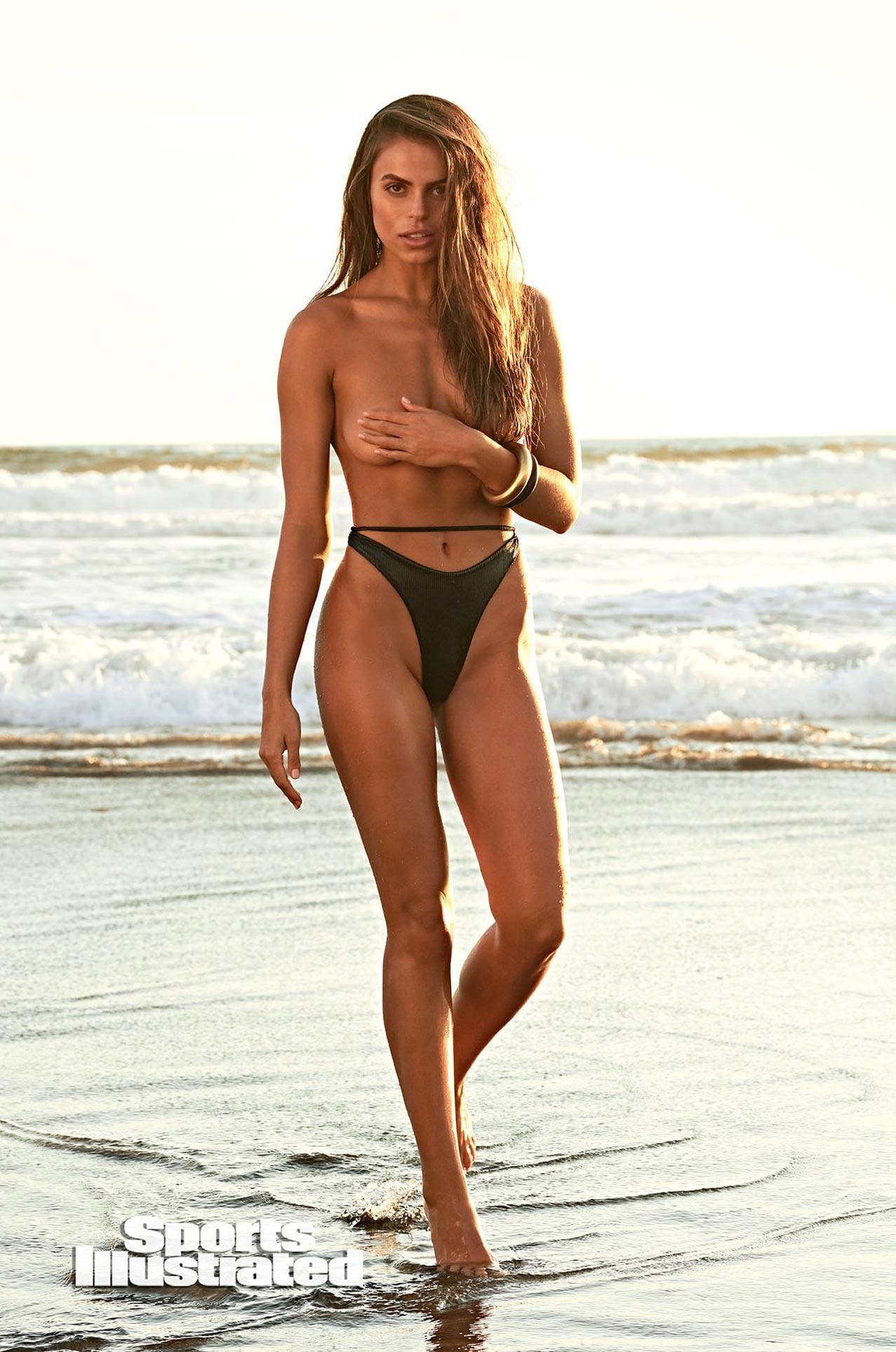 Брукс Надер в каталоге купальников Sports Illustrated Swimsuit 2020 / фото 19