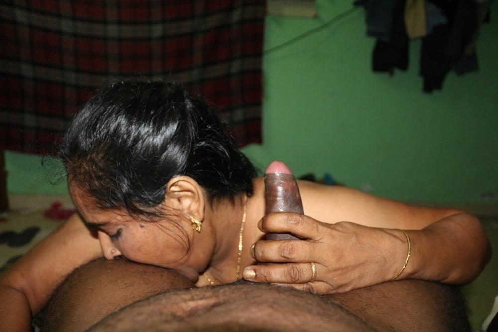 Reshma aunty nude-7589
