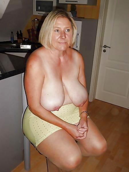 Beautiful naked mature women pics-9089