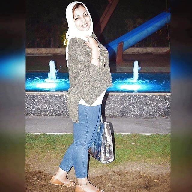 Arab foot slave-4362